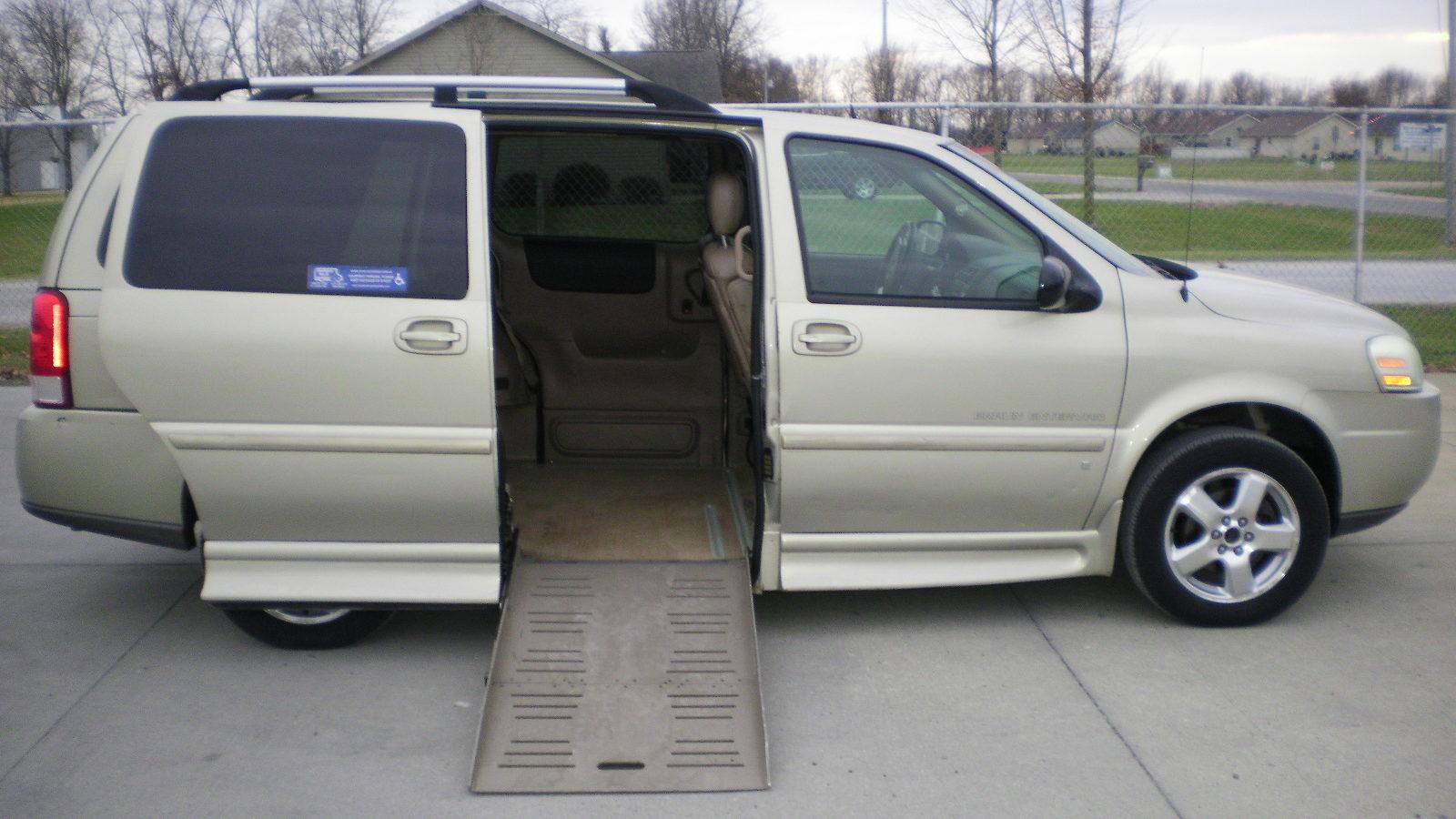2007 Chevy Uplander Braunability